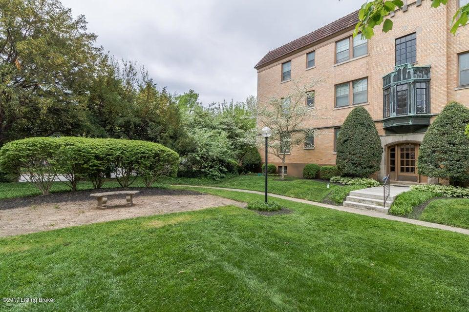 Condominium for Sale at 3015 Brownsboro Road Louisville, Kentucky 40206 United States