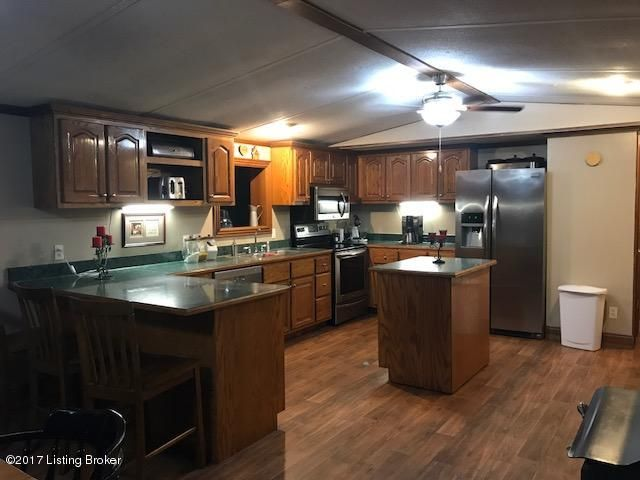 Additional photo for property listing at 2587 Fallen Timber Road 2587 Fallen Timber Road Campbellsville, Kentucky 42718 United States