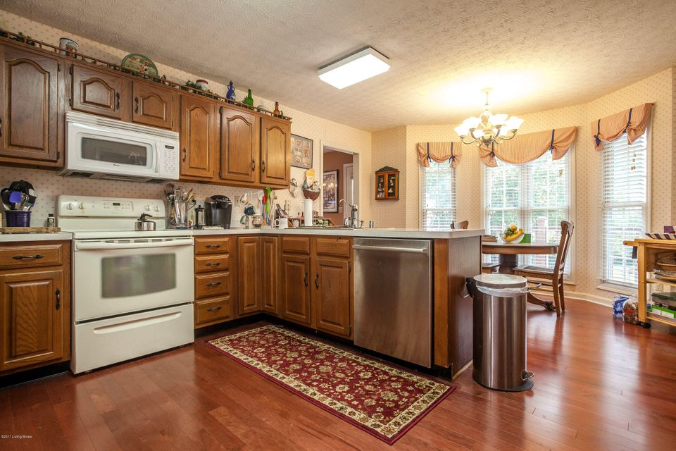 Additional photo for property listing at 5539 Taylorsville Road 5539 Taylorsville Road Finchville, Kentucky 40022 United States