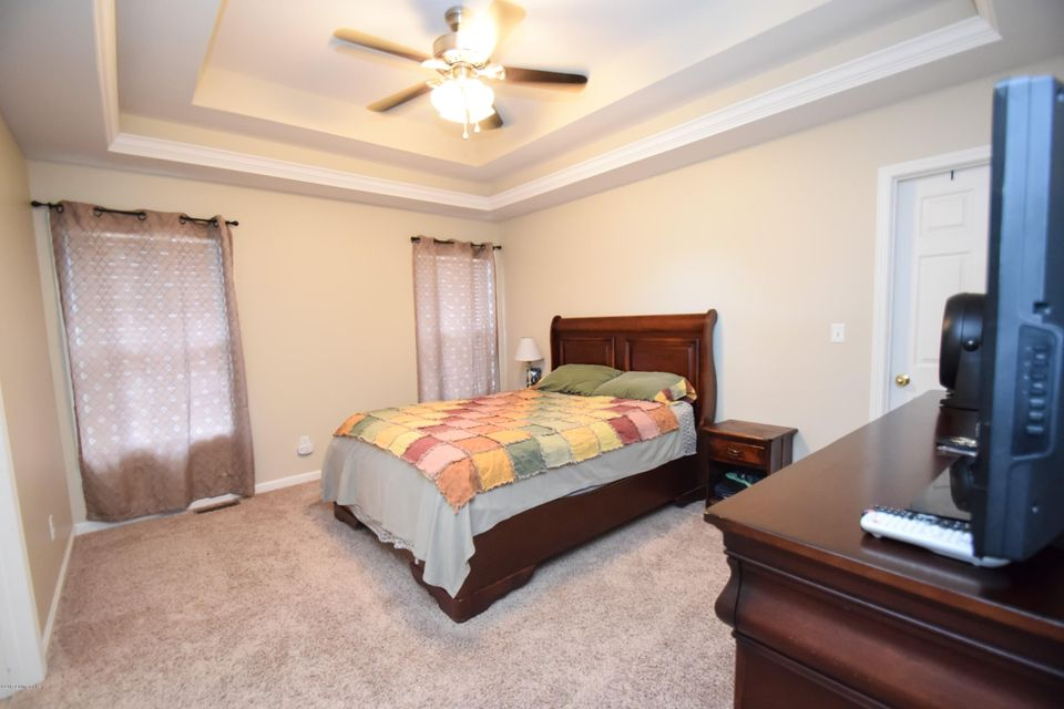 Additional photo for property listing at 140 Meadowcrest Drive  Mount Washington, Kentucky 40047 United States