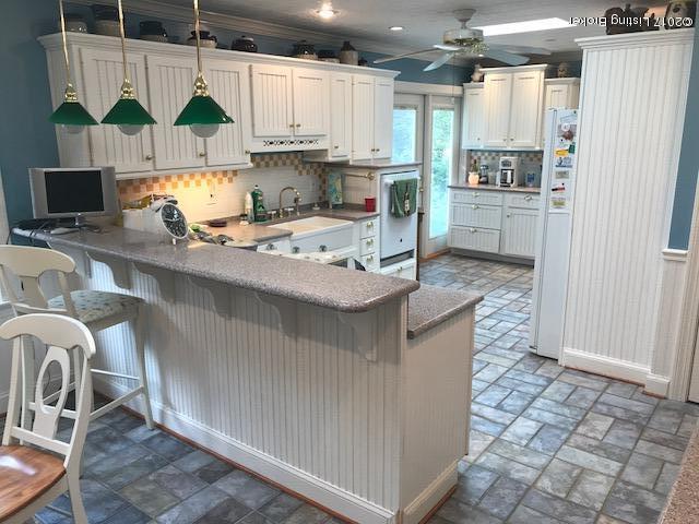 Additional photo for property listing at 707 Greenridge Lane 707 Greenridge Lane Louisville, Kentucky 40207 United States