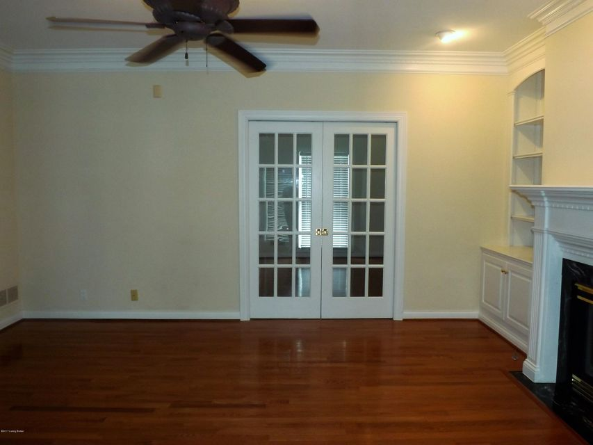Additional photo for property listing at 1118 Lake Bluff Circle  Louisville, Kentucky 40245 United States