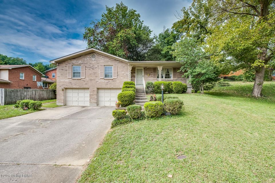 Single Family Home for Sale at 4502 Naneen Drive 4502 Naneen Drive Louisville, Kentucky 40216 United States