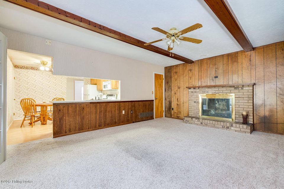 Additional photo for property listing at 4502 Naneen Drive 4502 Naneen Drive Louisville, Kentucky 40216 United States