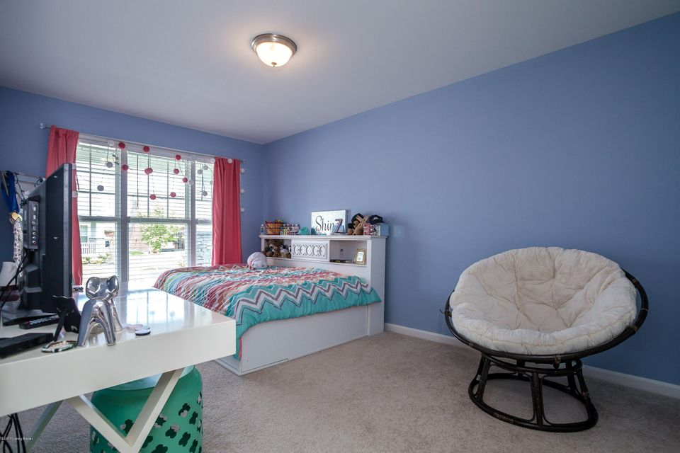 Additional photo for property listing at 11203 Hammond Drive 11203 Hammond Drive Louisville, Kentucky 40241 United States
