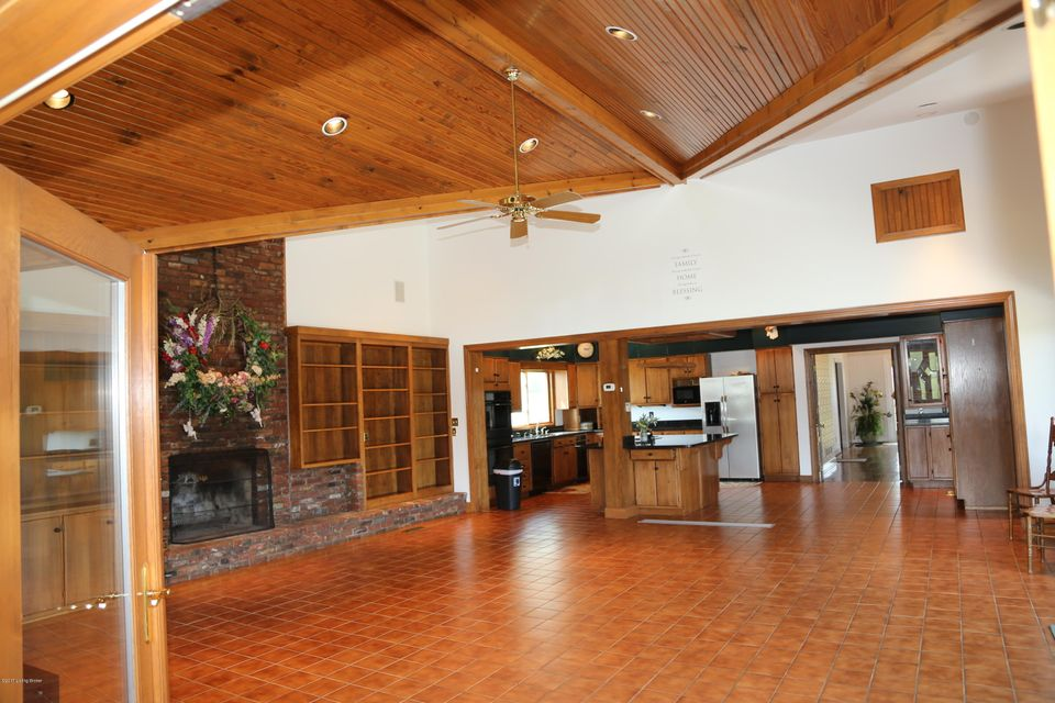 Additional photo for property listing at 6723 Aiken Road 6723 Aiken Road Louisville, Kentucky 40245 United States