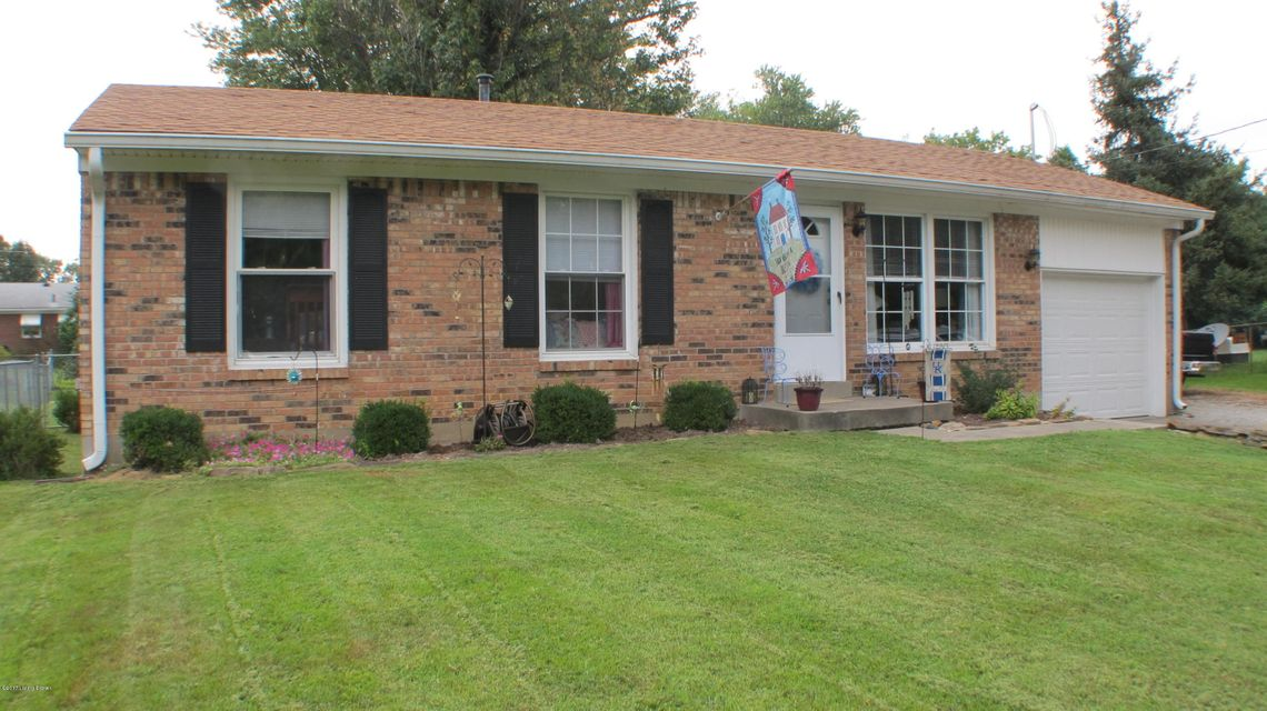 Single Family Home for Sale at 11002 Benson Lane 11002 Benson Lane Louisville, Kentucky 40272 United States