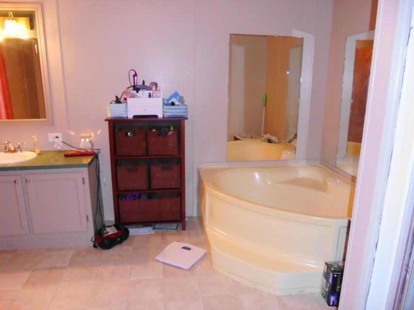 Additional photo for property listing at 2 Thomas Street 2 Thomas Street Carrollton, Kentucky 41008 United States