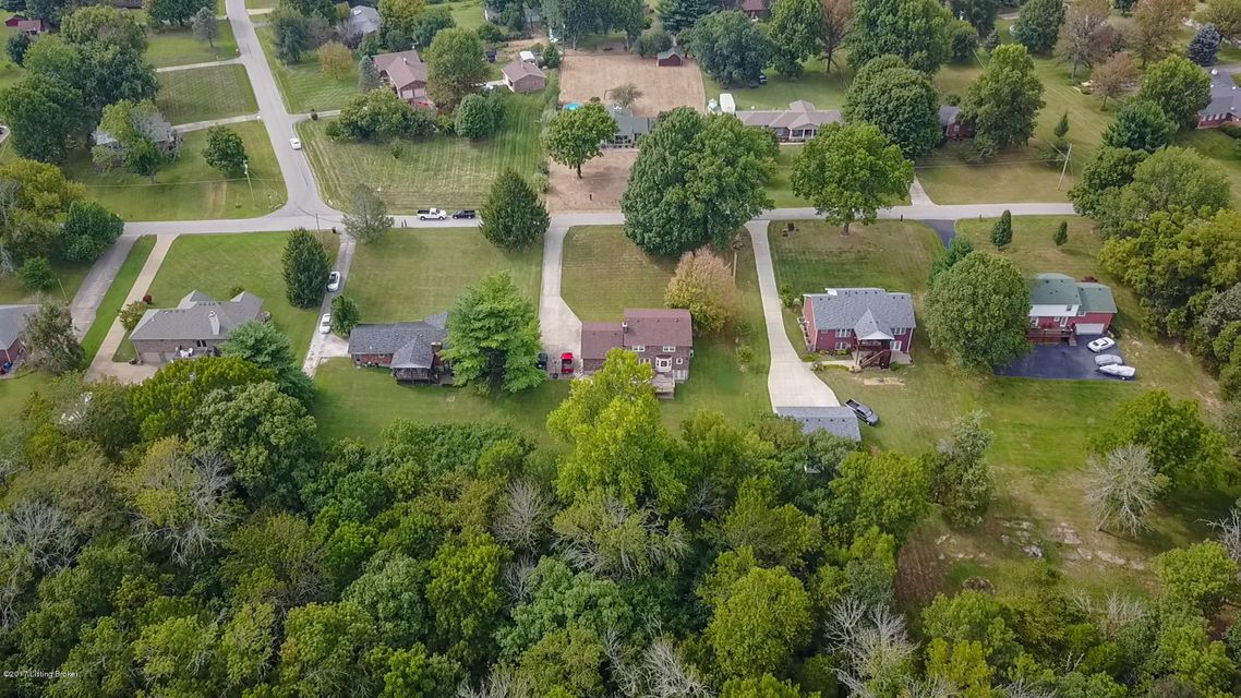 Additional photo for property listing at 328 Old Mill Stream Lane  Shepherdsville, Kentucky 40165 United States