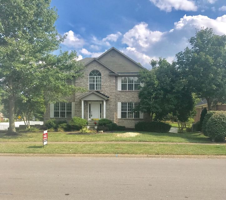 Single Family Home for Sale at 1317 Crosstimbers Drive Louisville, Kentucky 40245 United States