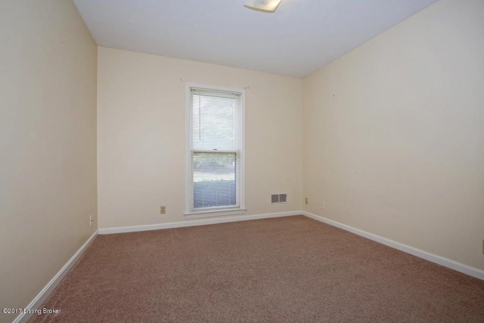 Additional photo for property listing at 11907 Springmeadow Lane 11907 Springmeadow Lane Goshen, Kentucky 40026 United States