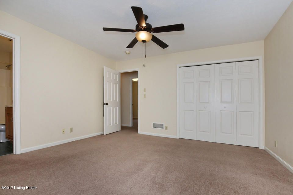 Additional photo for property listing at 11907 Springmeadow Lane 11907 Springmeadow Lane Goshen, Kentucky 40026 United States