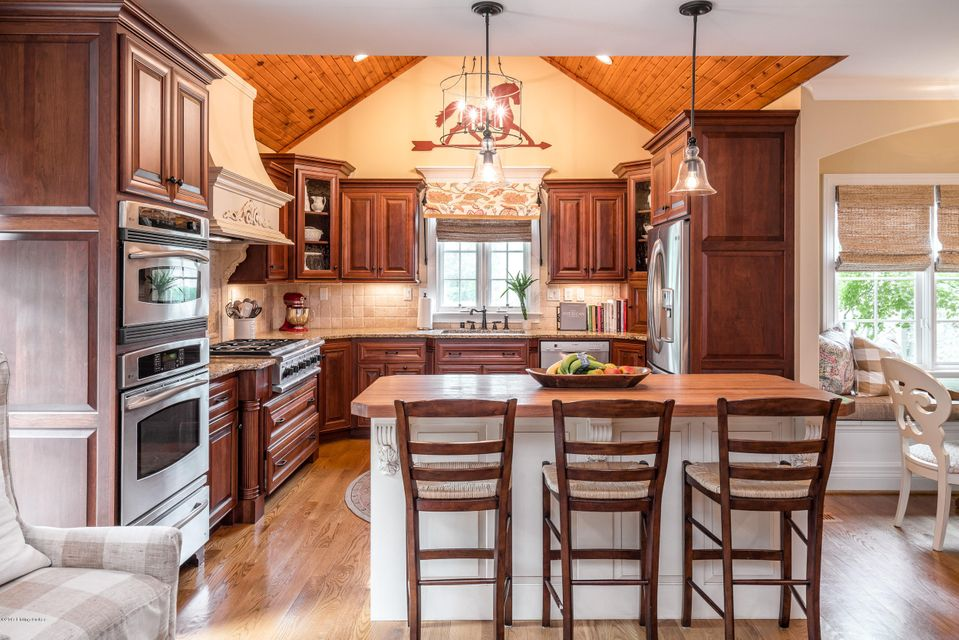 Additional photo for property listing at 2905 Meadow Farms Place 2905 Meadow Farms Place Louisville, Kentucky 40245 United States