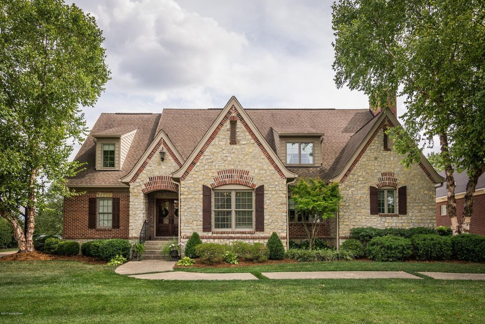 Single Family Home for Sale at 2905 Meadow Farms Place 2905 Meadow Farms Place Louisville, Kentucky 40245 United States