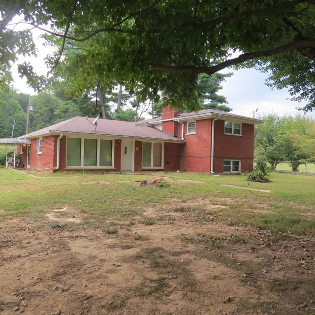 Single Family Home for Sale at 615 Coral Ridge Road Shepherdsville, Kentucky 40165 United States