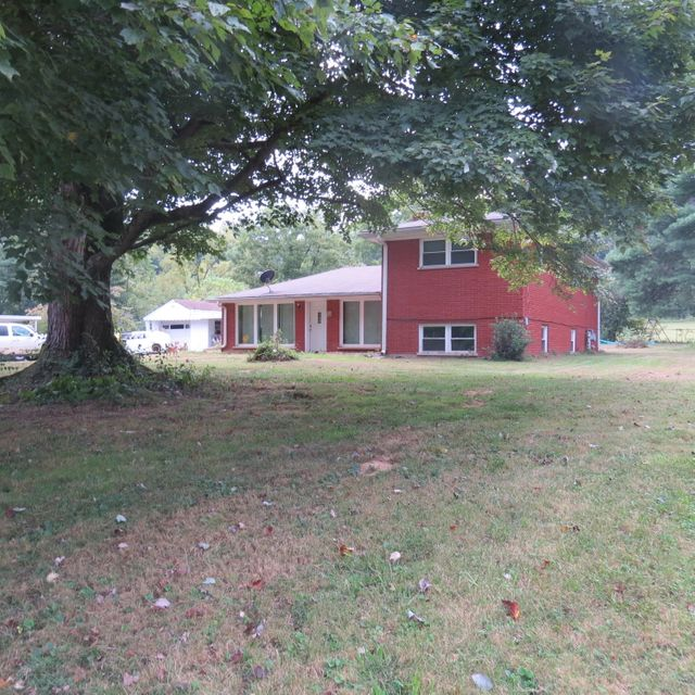 Additional photo for property listing at 615 Coral Ridge Road  Shepherdsville, Kentucky 40165 United States