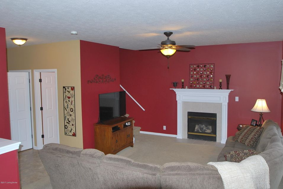 Additional photo for property listing at 8604 Garden Gate Circle  Louisville, Kentucky 40291 United States
