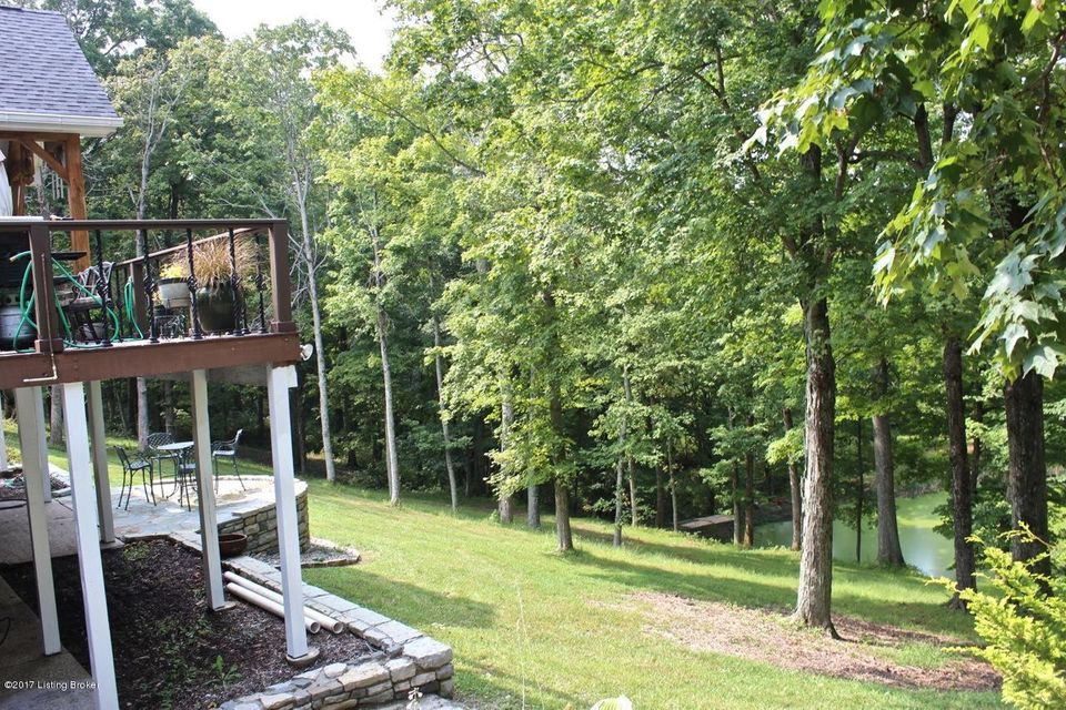 Additional photo for property listing at 17620 Fisherville Woods Drive 17620 Fisherville Woods Drive Louisville, Kentucky 40023 United States