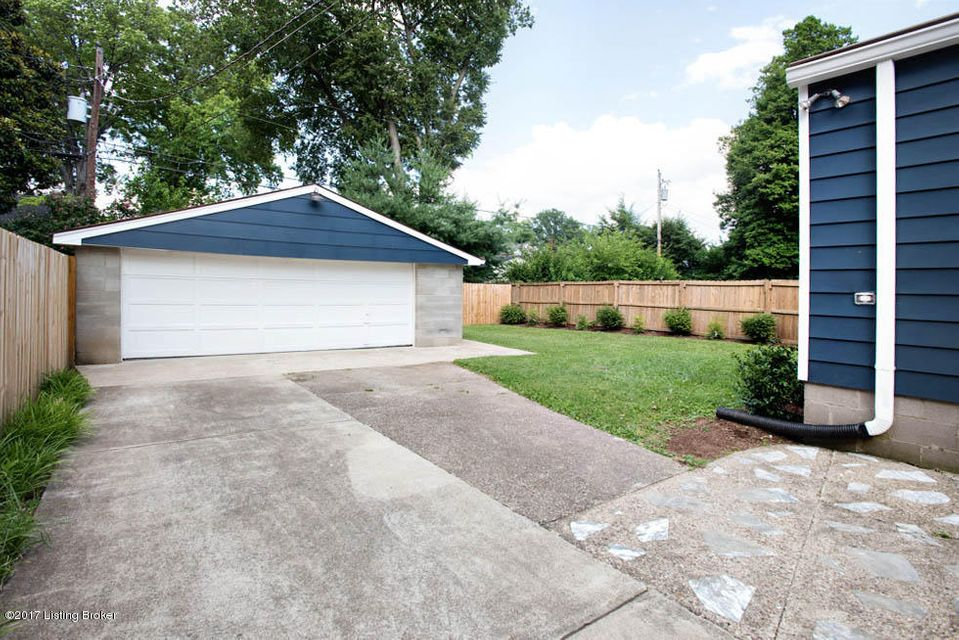 Additional photo for property listing at 231 Monohan Drive 231 Monohan Drive Louisville, Kentucky 40207 United States