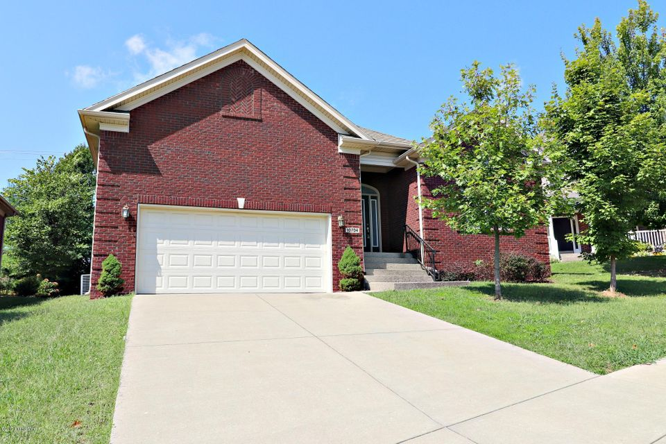 Single Family Home for Sale at 10704 Vine Hill Drive 10704 Vine Hill Drive Louisville, Kentucky 40299 United States