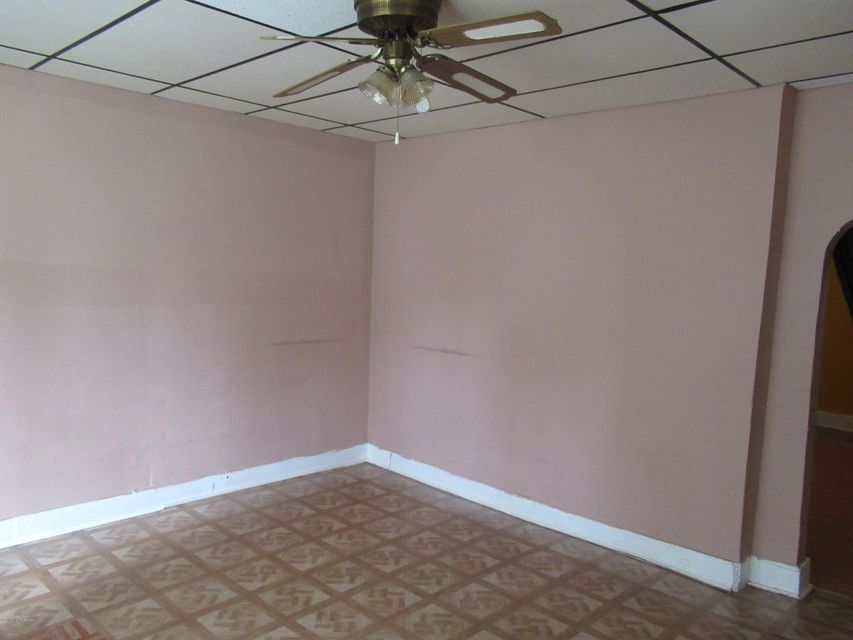 Additional photo for property listing at 1771 Dumesnil  Louisville, Kentucky 40210 United States
