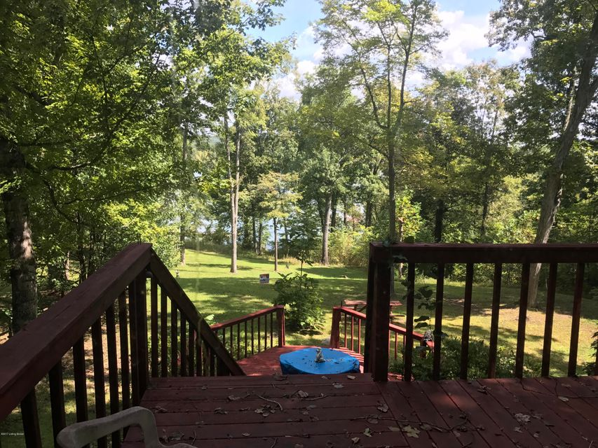 Additional photo for property listing at 110 shady Lane 110 shady Lane Mammoth Cave, Kentucky 42259 United States