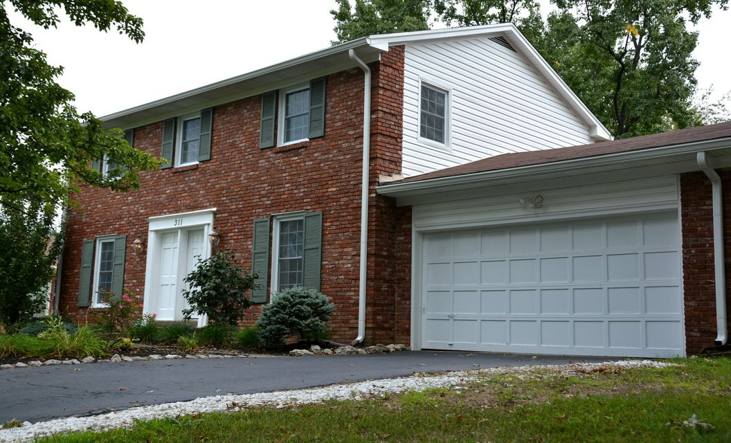 Single Family Home for Sale at 311 Brentford Court 311 Brentford Court Louisville, Kentucky 40243 United States