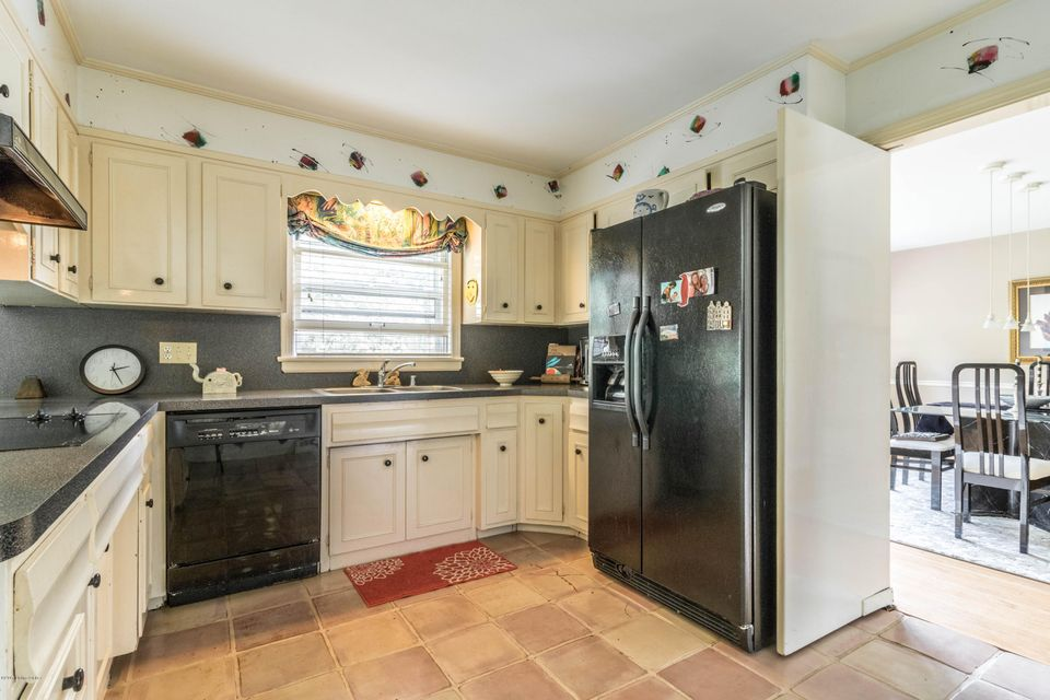 Additional photo for property listing at 6401 Regal Road  Louisville, Kentucky 40222 United States
