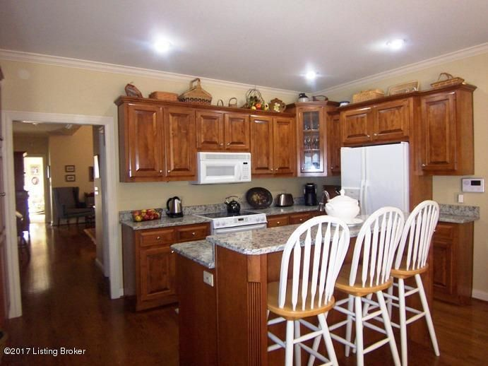 Additional photo for property listing at 102 Maywood Avenue  Bardstown, Kentucky 40004 United States
