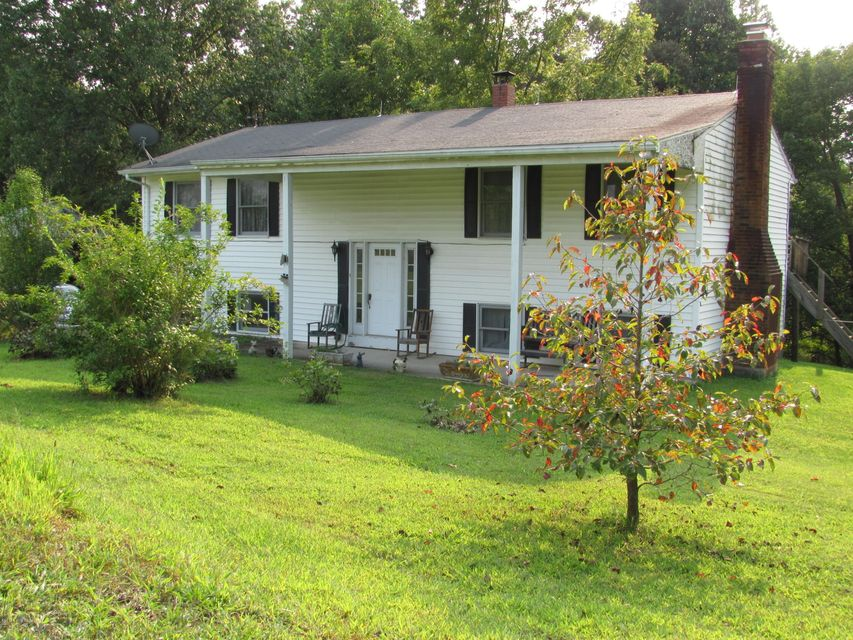 Single Family Home for Sale at 390 Givens Lane 390 Givens Lane Eastview, Kentucky 42732 United States