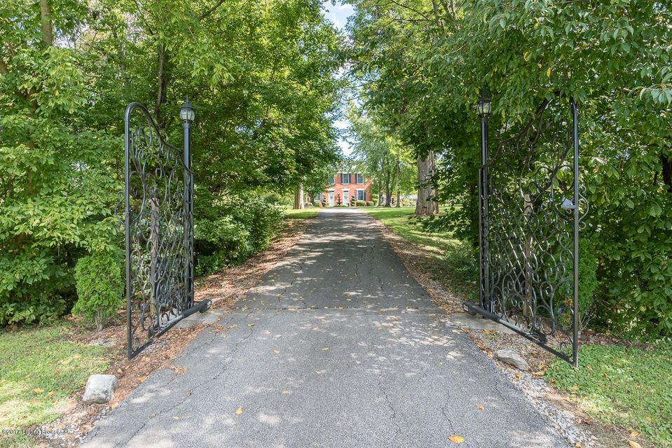 Additional photo for property listing at 9350 Taylorsville Road 9350 Taylorsville Road Fisherville, Kentucky 40023 United States
