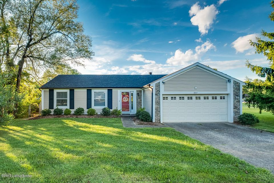Single Family Home for Sale at 8807 Wooded Glen Road Jeffersontown, Kentucky 40220 United States