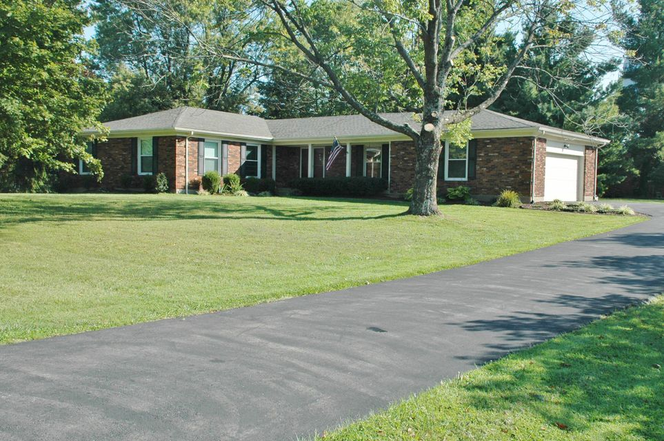 Single Family Home for Sale at 5401 Mary Clayton Lane 5401 Mary Clayton Lane Crestwood, Kentucky 40014 United States