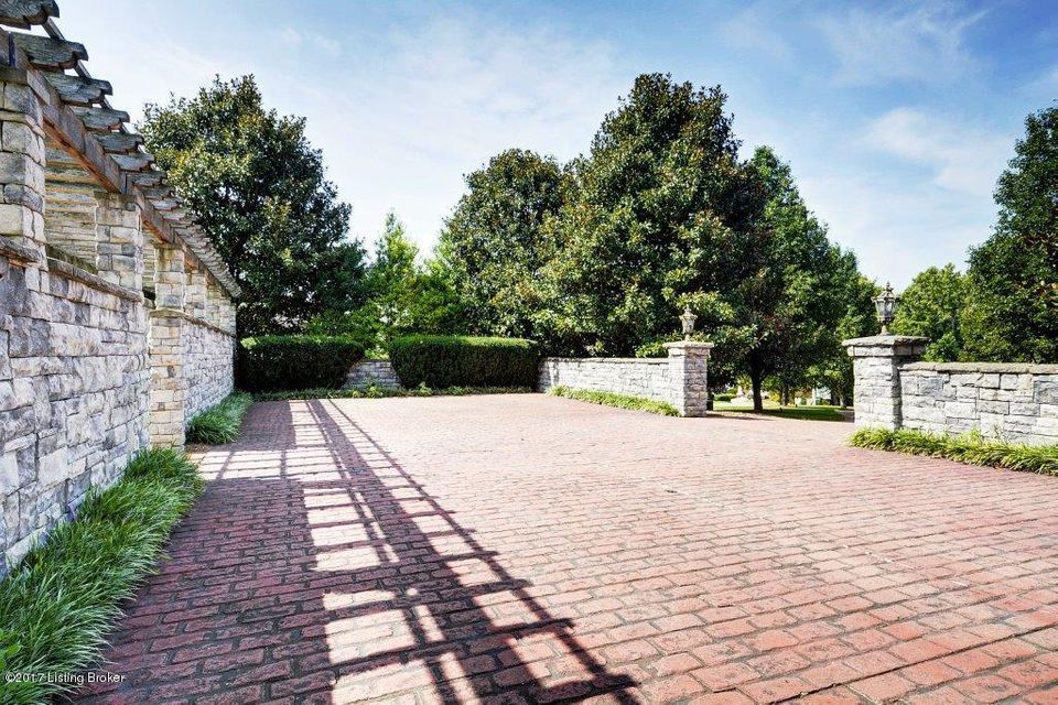 Additional photo for property listing at 6706 Elmcroft Circle 6706 Elmcroft Circle Louisville, Kentucky 40241 United States