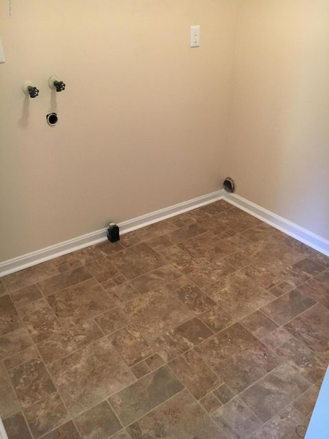 Additional photo for property listing at 299 Crator Drive  Louisville, Kentucky 40229 United States