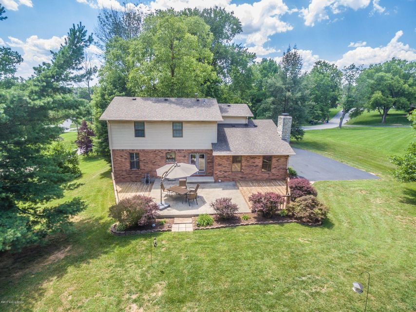 Additional photo for property listing at 5773 Lentzier Trace  Jeffersonville, Indiana 47130 United States