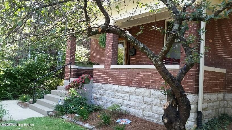 Single Family Home for Sale at 2128 Edgeland Avenue 2128 Edgeland Avenue Louisville, Kentucky 40204 United States