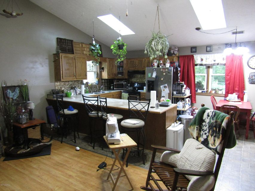 Additional photo for property listing at 315 Lees Lane 315 Lees Lane Brandenburg, Kentucky 40108 United States