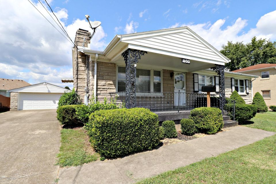 Single Family Home for Sale at 11100 Oliverda Drive 11100 Oliverda Drive Louisville, Kentucky 40272 United States