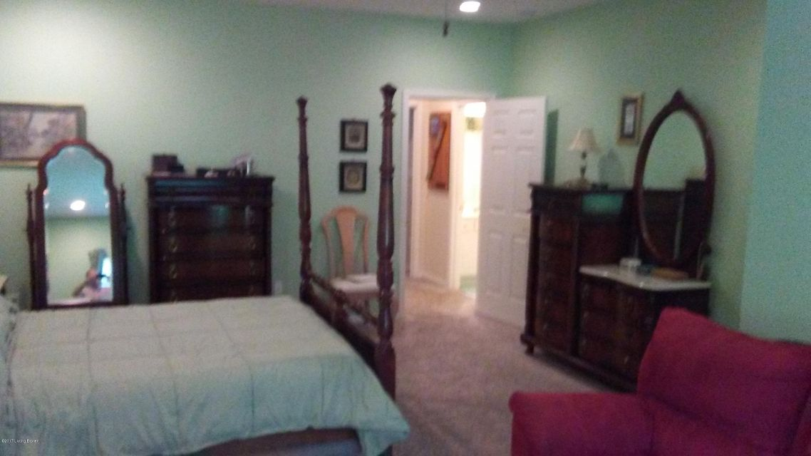 Additional photo for property listing at 4001 Beech Tree Court  Louisville, Kentucky 40220 United States