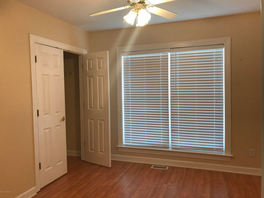 Additional photo for property listing at 9515 Rustling Tree Way 9515 Rustling Tree Way Louisville, Kentucky 40291 United States