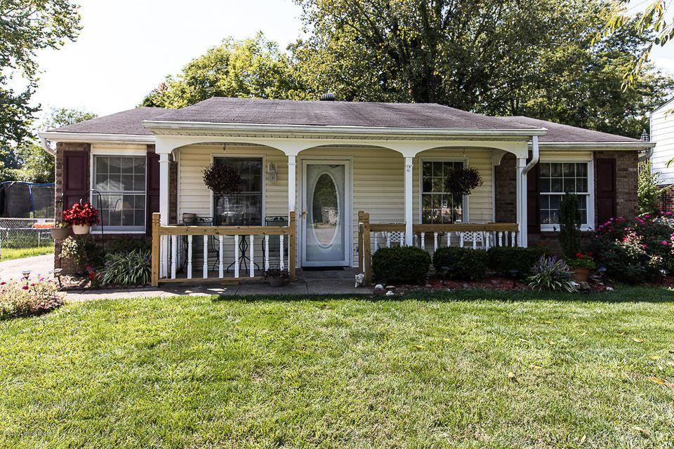 Single Family Home for Sale at 11012 Neptune Place Louisville, Kentucky 40272 United States