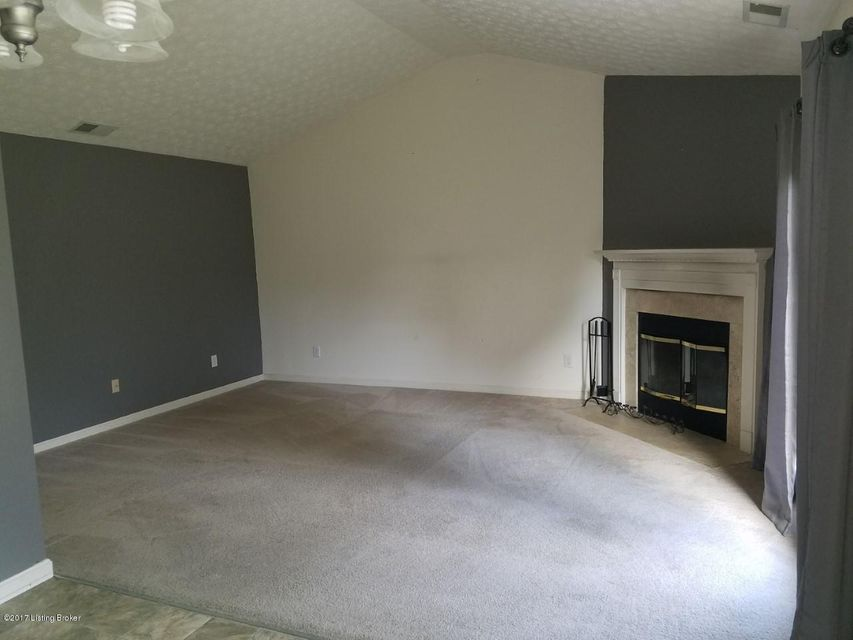 Additional photo for property listing at 5507 Worthington Place Drive 5507 Worthington Place Drive Louisville, Kentucky 40241 United States