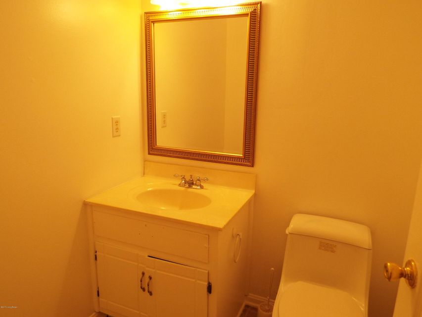 Additional photo for property listing at 102 Kristen Court  Radcliff, Kentucky 40160 United States