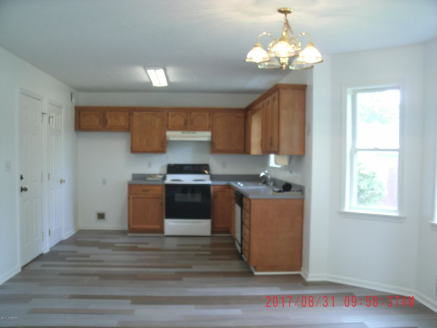 Additional photo for property listing at 12400 Bethany Oaks Pkwy 12400 Bethany Oaks Pkwy Louisville, Kentucky 40272 United States
