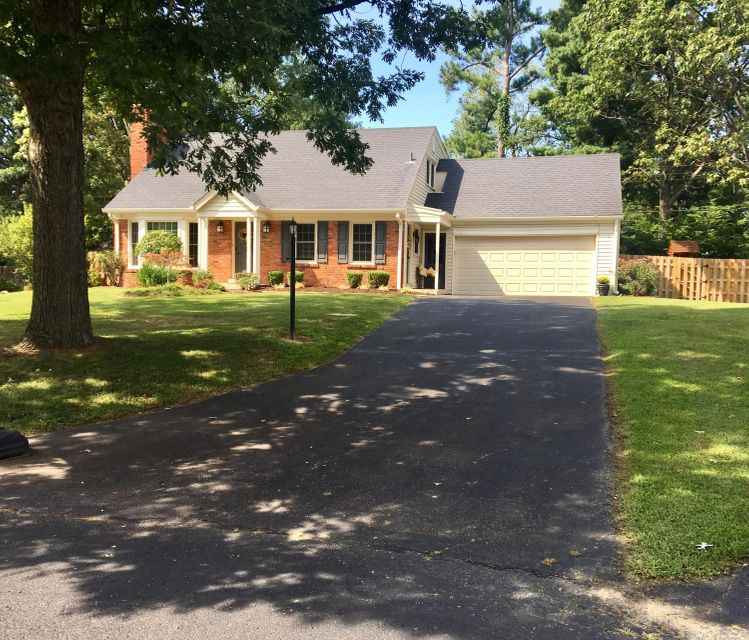 Single Family Home for Sale at 10213 Blue Ridge Court Louisville, Kentucky 40223 United States
