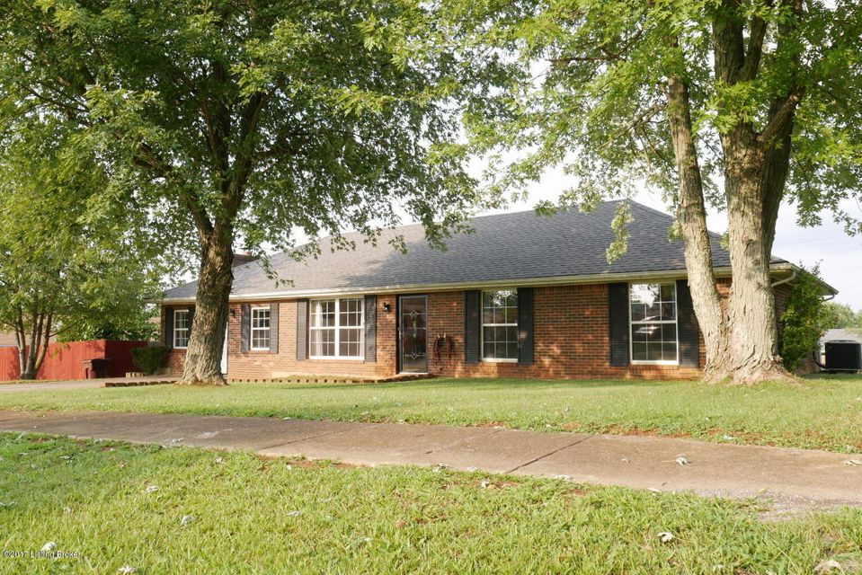 Single Family Home for Sale at 1130 S Atcher Street 1130 S Atcher Street Radcliff, Kentucky 40160 United States