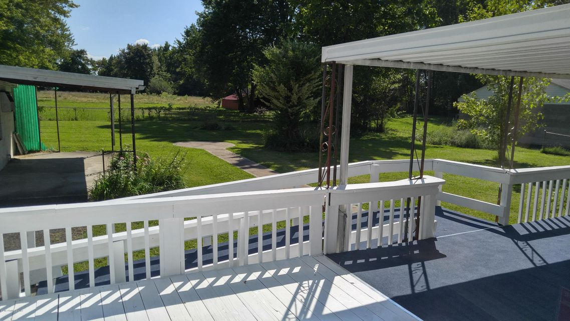 Additional photo for property listing at 1046 Clay Avenue 1046 Clay Avenue Louisville, Kentucky 40219 United States