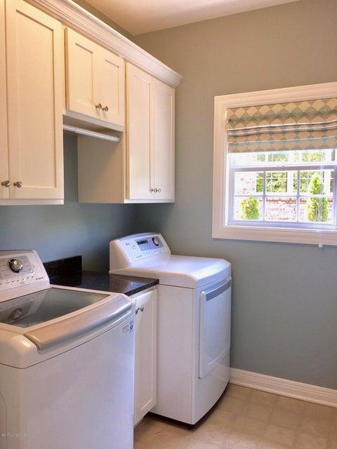 Additional photo for property listing at 202 Kilcott Court 202 Kilcott Court Louisville, Kentucky 40245 United States