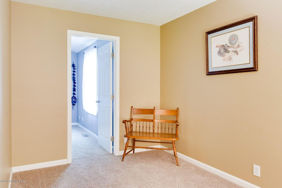 Additional photo for property listing at 8724 Loch Lea Lane 8724 Loch Lea Lane Louisville, Kentucky 40299 United States